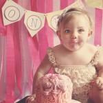 一歳の誕生日は簡単!手作り離乳食ケーキと可愛いデコレーションでお祝いしよう♡