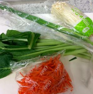 個別包装された野菜で鮮度抜群