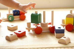 0歳1歳2歳3歳4歳【年齢別】100均ですぐ出来るモンテッソーリの手作り教具やお仕事の環境設定。家庭で簡単におうちモンテにチャレンジ!